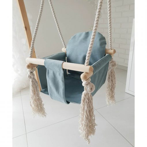 houten babyschommel met bunny oren blauw voorkant schuin boven Sassefras Meisjes Speelgoed