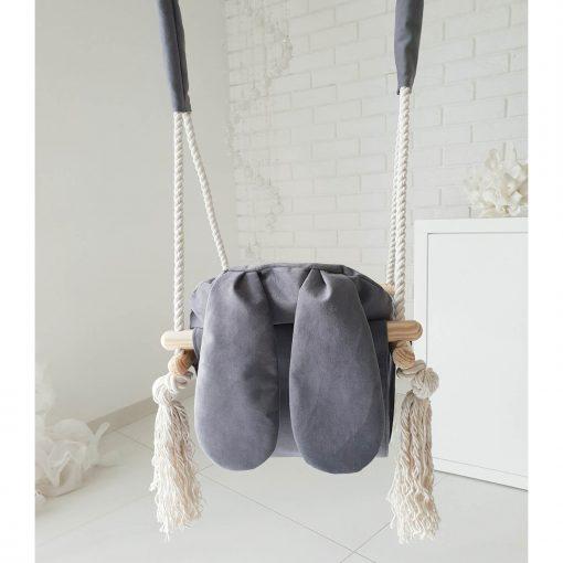 houten babyschommel met bunny oren grijs achterkant Sassefras Meisjes Speelgoed