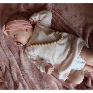 speenkoord met houten kralen 8 Sassefras Meisjes Speelgoed