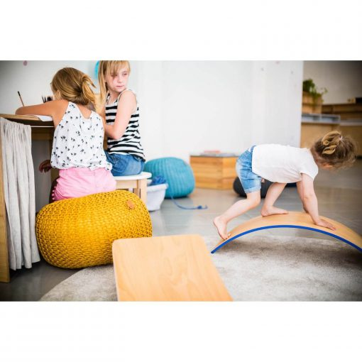 rockerboard colorful side spelende kinderen Sassefras
