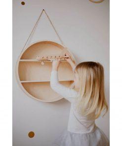 ronde houten wandrek hangend Sassefras