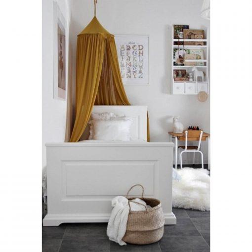 canopy van Cotton & Sweets mustard boven bed Sassefras