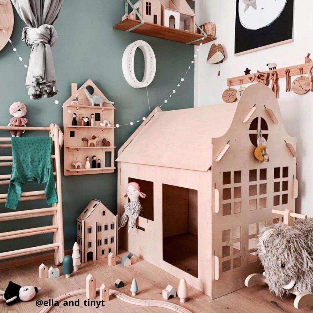 houten speelhuisje klokgevel Sassefras