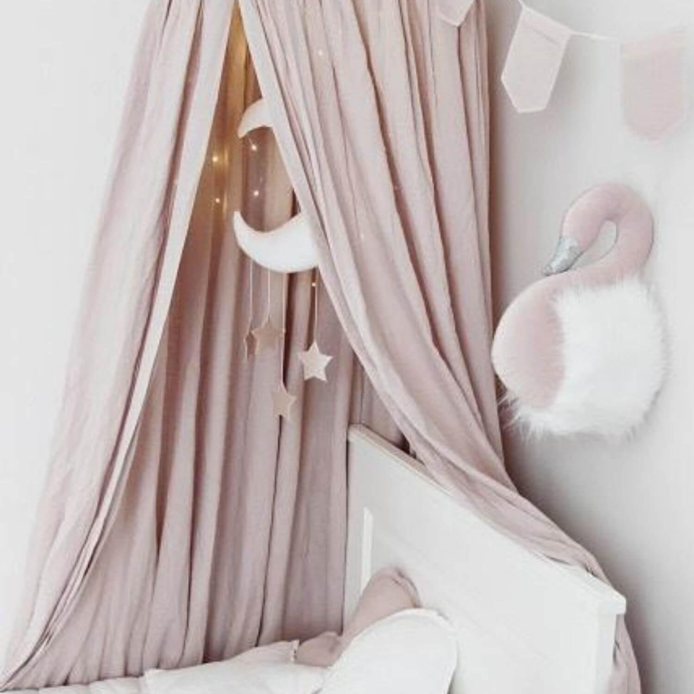 muurdecoratie zwaan roze met wit Sassefras