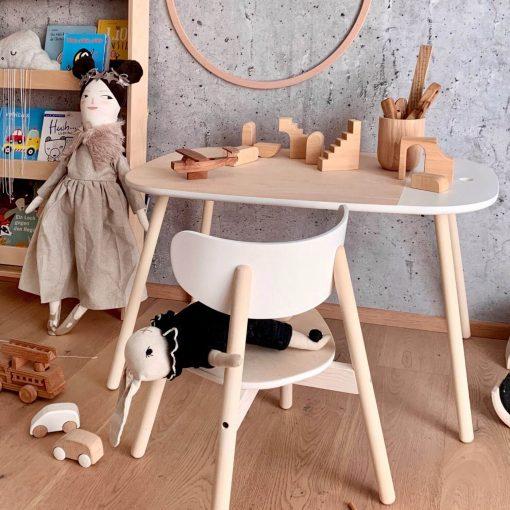 KUKUU kindertafel en stoel sfeerfoto Sassefras