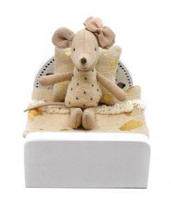 houten eenpersoons poppenhuis bed met muisje Sassefras