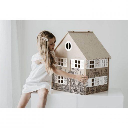 magical childhood poppenhuis achterkant Sassefras