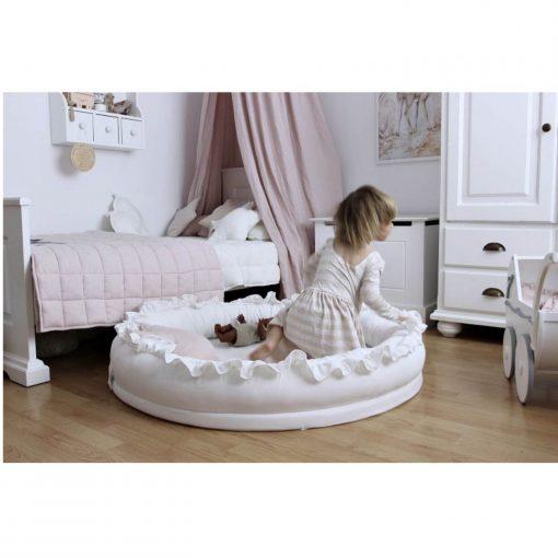 Cotton & Sweets junior nest wit met kindje Sassefras