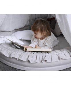 junior speelnest lichtgrijs met lezend kind Sassefras