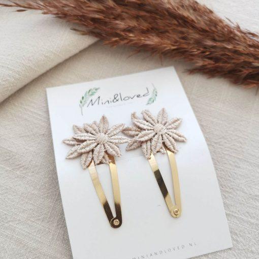 peuter haarclipjes met kanten bloemetjes Sassefras